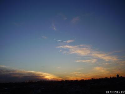 След самолета на закате