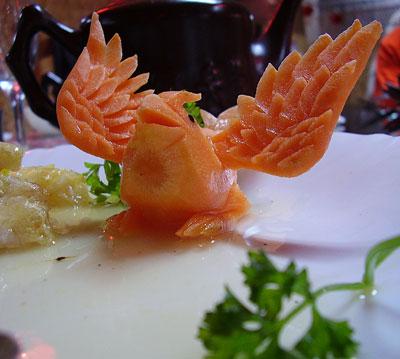 Птица из моркови