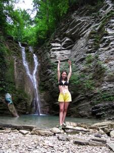 Мария Скляревская klarinia на водопаде любви в Пшада