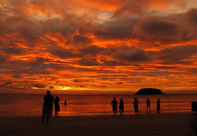 Закат на kata beach