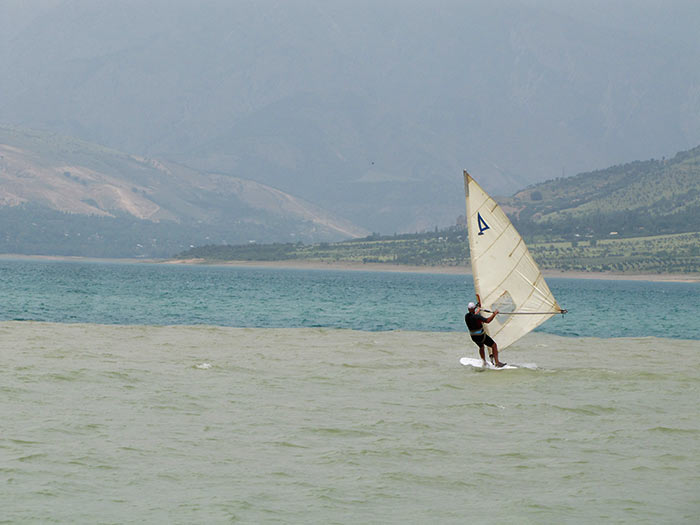 Винд серфинг на Чарваке