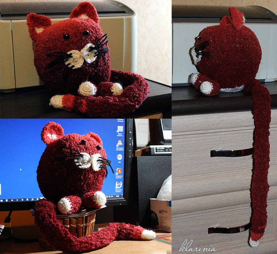 Уникальный красный кот связан крючком